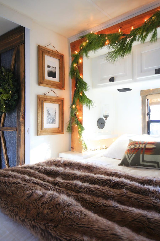 Renovated RV Christmas Tour from MountainModernLife.com