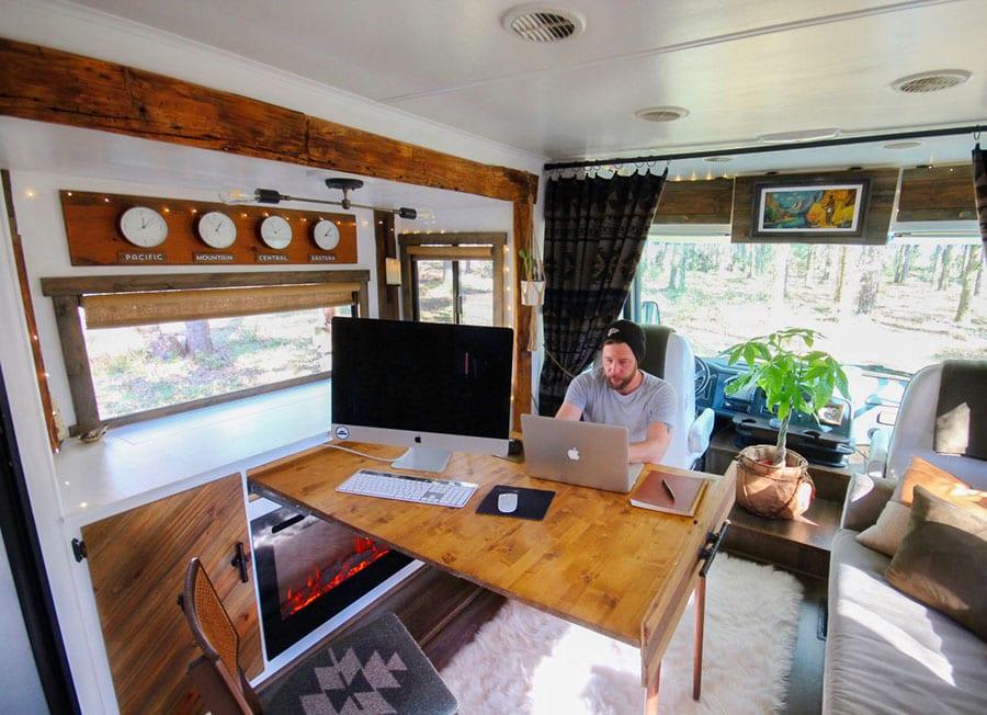 RV mobile office   MountainModernLife.com