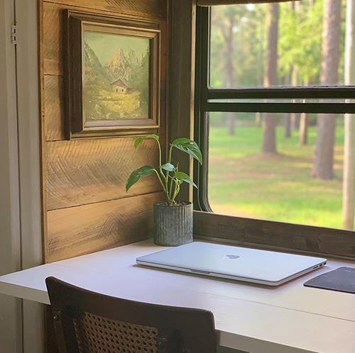 flexible desk design