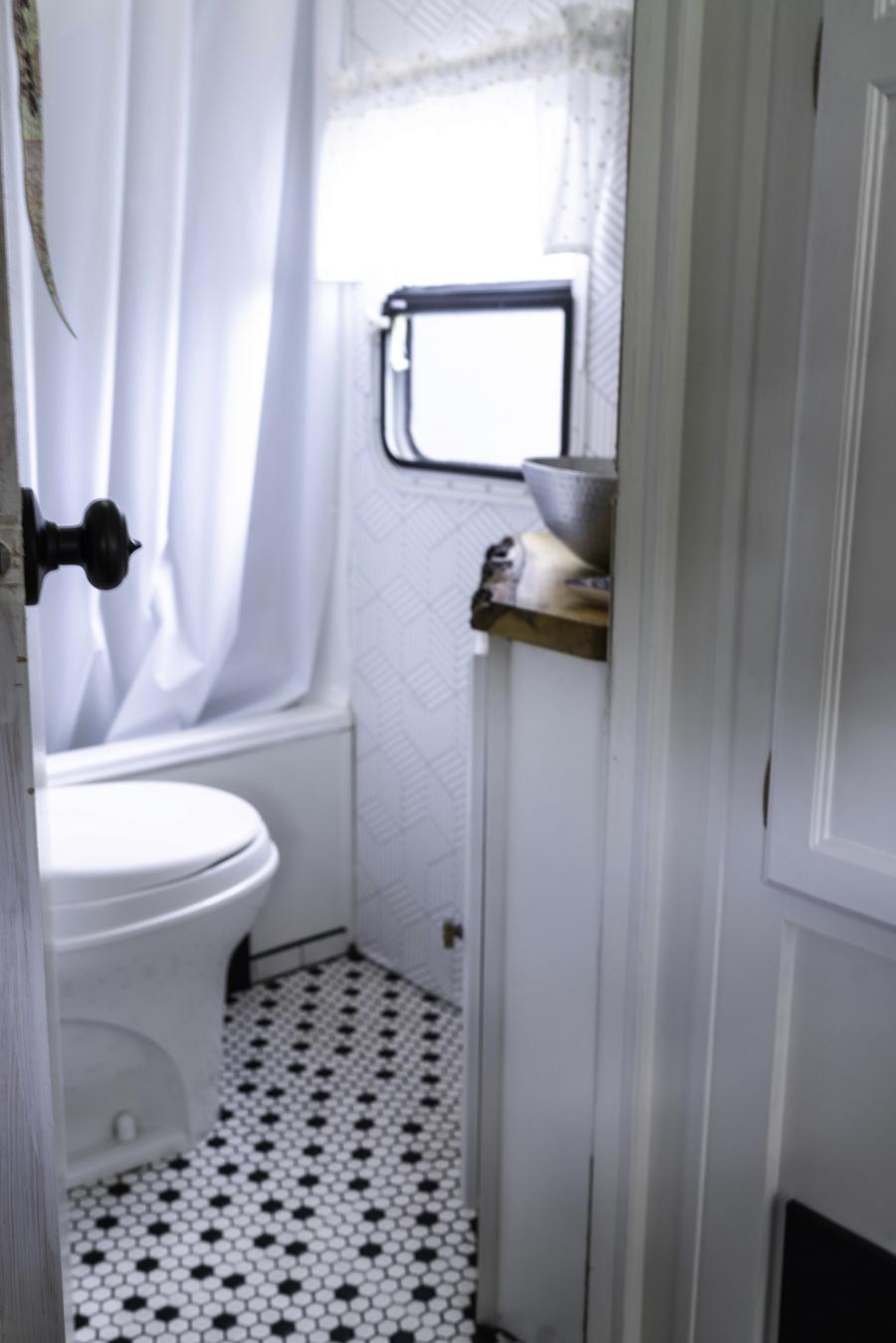country modern camper bathroom