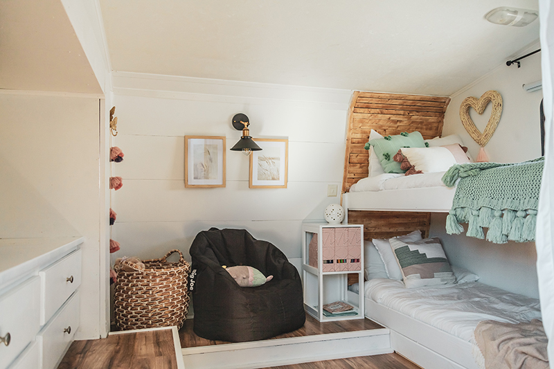 RV Bedroom transformed into kid's bunkroom