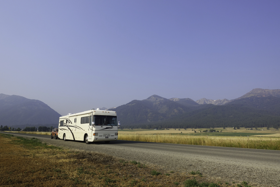 1999 Country Coach Intrigue