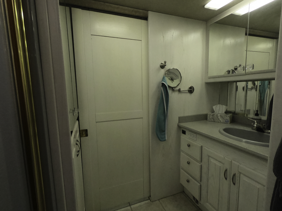 Motorhome bathroom before reno