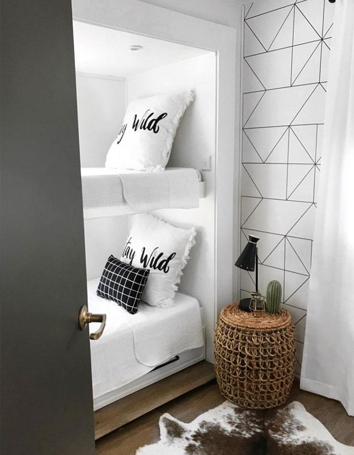 5th wheel bunk room renovation from RV designer @rvfixerupper