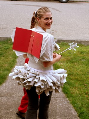 If you are looking for a Halloween Costume, take a look at this list of 25 Last Minute DIY Halloween Costume Ideas. UpcycledTreasures.com