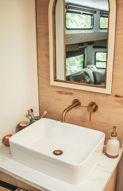 modern-toyhauler-RV-bathroom-renovation-from-@thelincolntribe