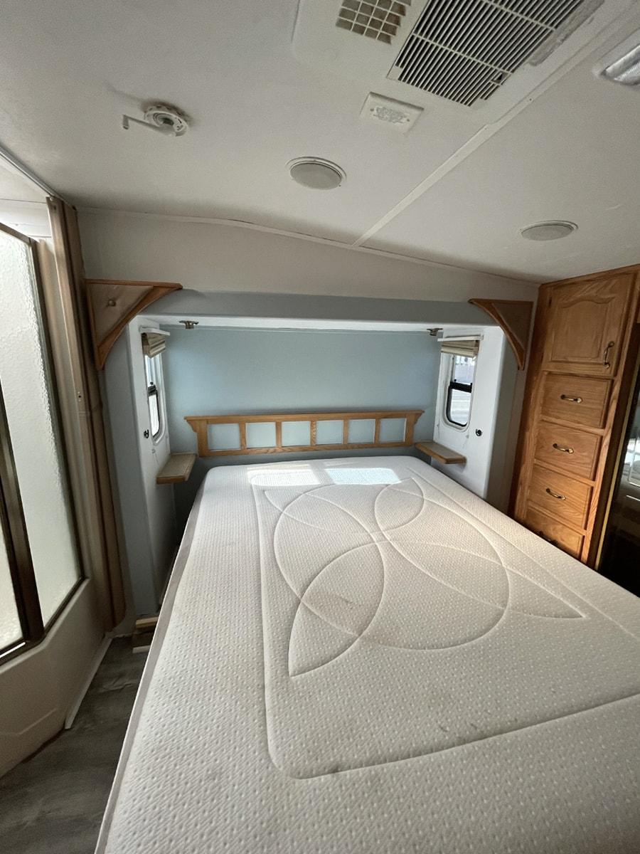 rv bedroom before