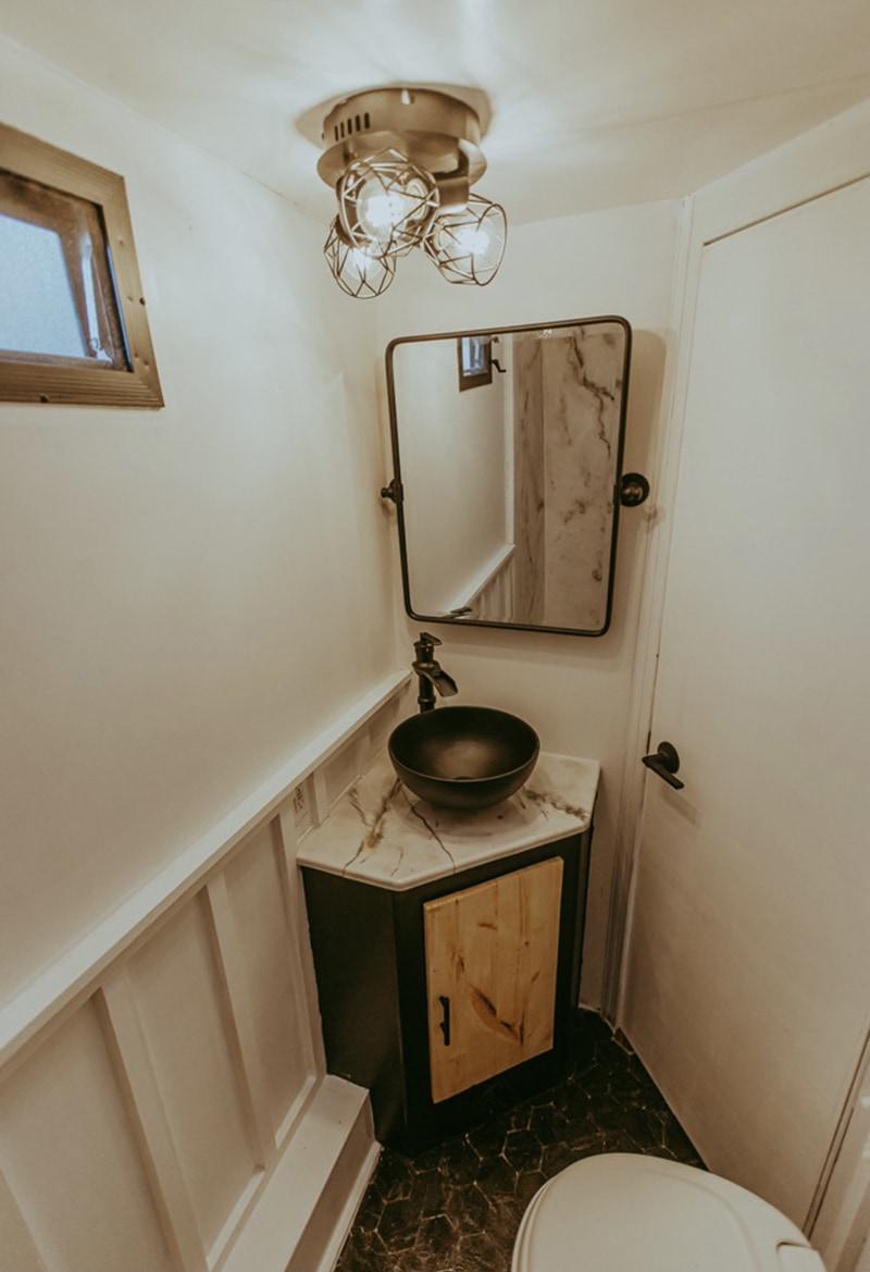 camper bathroom reno