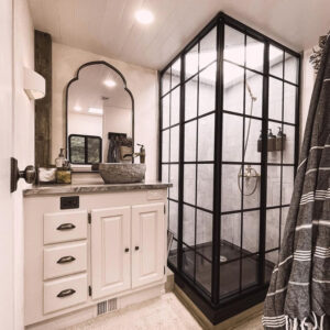 motorhome with dreamline shower